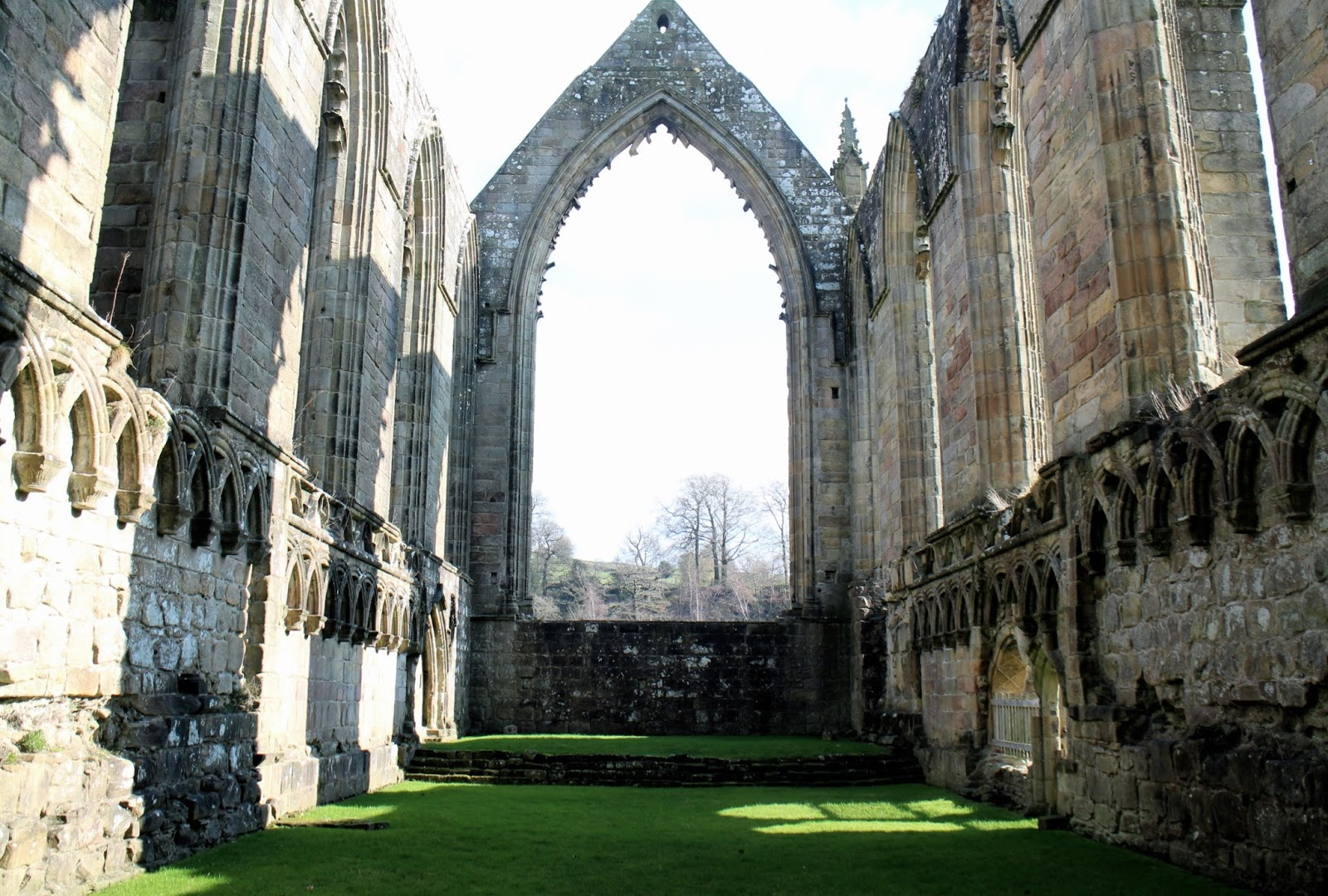 The main arch inside of Bolton Abbey