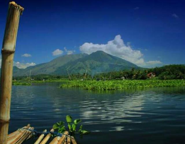 Situ Bagendit Garut Jawa Barat