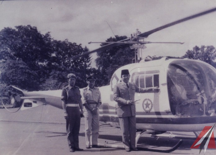 Belajar desain dan konstruksi pesawat lebih secara otodidak, di tengah semangatnya menciptakan helikopter di dalam negeri, ia kehilangan sebelah lengannya akibat kecelakaan. Bukannya berkurang, semangatnya untuk membangun lebih banyak lagi helikopter malah makin membara. Wajar kalau pria kelahiran 10 April 1916 di Purworejo ini dijuluki Urang Gelo (Orang Gila) oleh orang-orang di sektiarnya di Bandung.