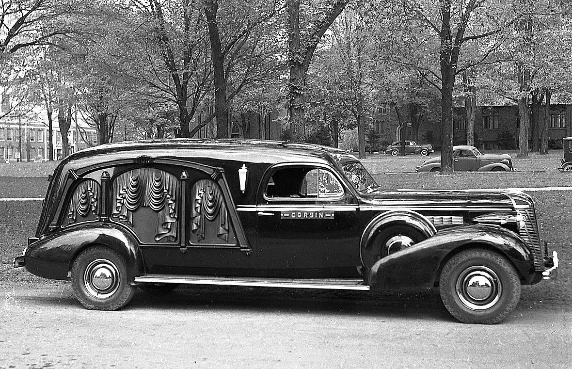 Interesting Vintage Snapshots That Capture Classic Automobiles in ...