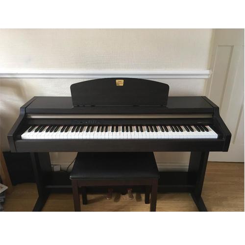 Đàn piano điện Yamaha CLP-920 Cũ Giá Rẻ