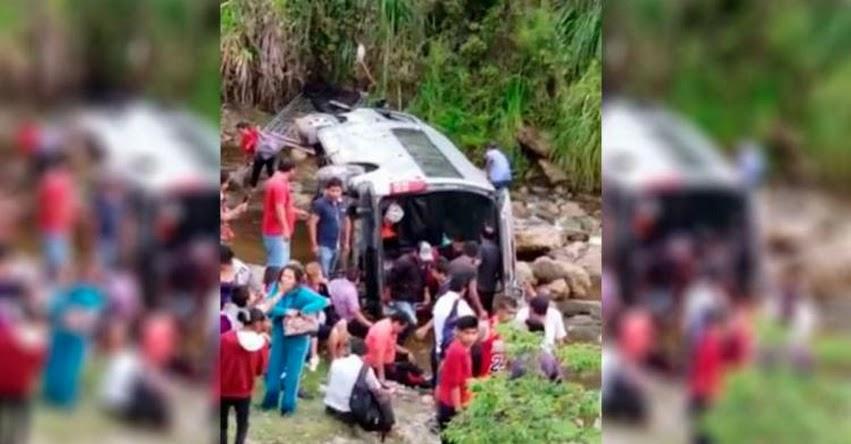 Bus que transportaba a docentes para examen nacional se despista y cae a abismo en Chachapoyas - Amazonas [VIDEO]
