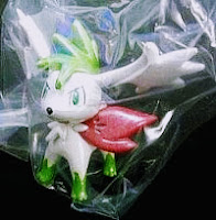 Shaymin figure sly form clear version Takara Tomy Monster Collection 2010 promo