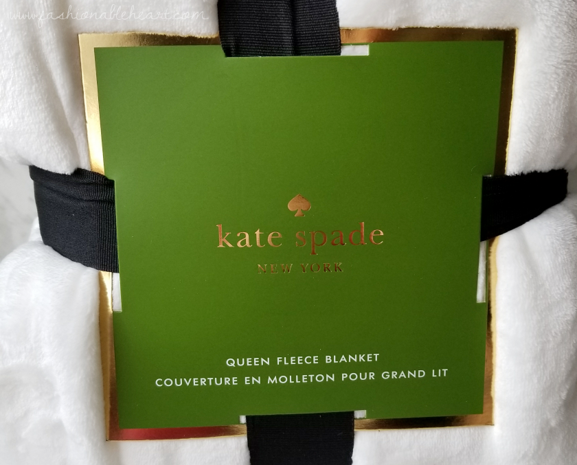 bbloggers, bbloggersca, canadian beauty bloggers, beauty blog, lbloggers, what i got for christmas, gifts, holiday, 2017, costco, costco canada, kate spade, white, queen size, blanket, fleece, fleece blanket, fluffy