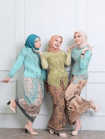 Contoh Model Kebaya Muslim Yang Sederhana Tapi Kekinian
