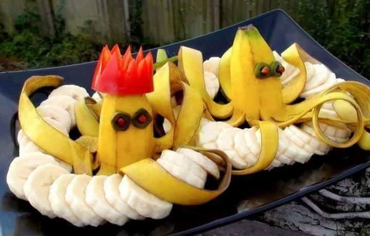 Seni ukiran daripada pisang. Awesome!