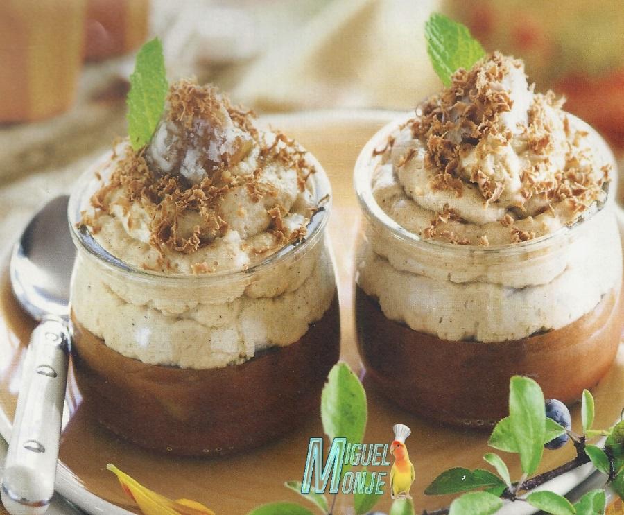 Mousse de café y nata (crema de leche)