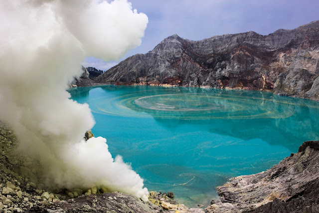 The best holiday to Indonesia, Banyuwangi, east java, vsit to Ijen Crater is one of the beautiful volcano and it has famous in Indonesia.