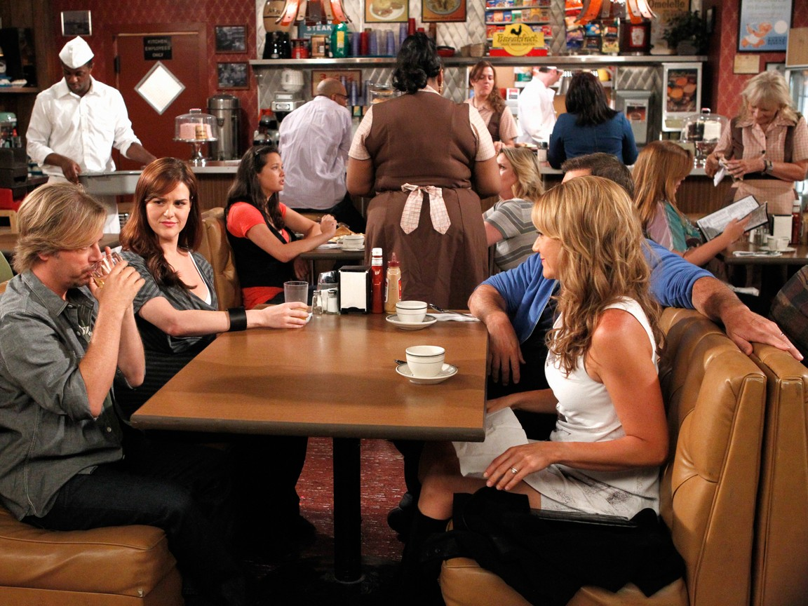 Rules of Engagement - Season 6 Episode 14: Goodbye Dolly