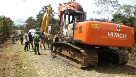 1 Unit Alat Berat di Geumpang Dibakar OTK
