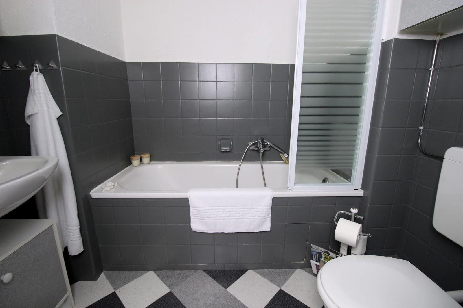 DIY: Badezimmer Make Over - einfaches Recylcing mit der SCHÖNER-WOHNEN pep up Renovierfarbe für Fliesen