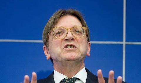 Brüsszelig szaladnak a Liberálisok – Guy Verhofstadthoz fordulnak az ÁSZ-büntetés miatt