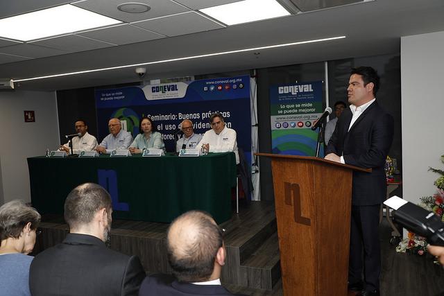 Recibe Gobernador premio por programa Evalúa Jalisco