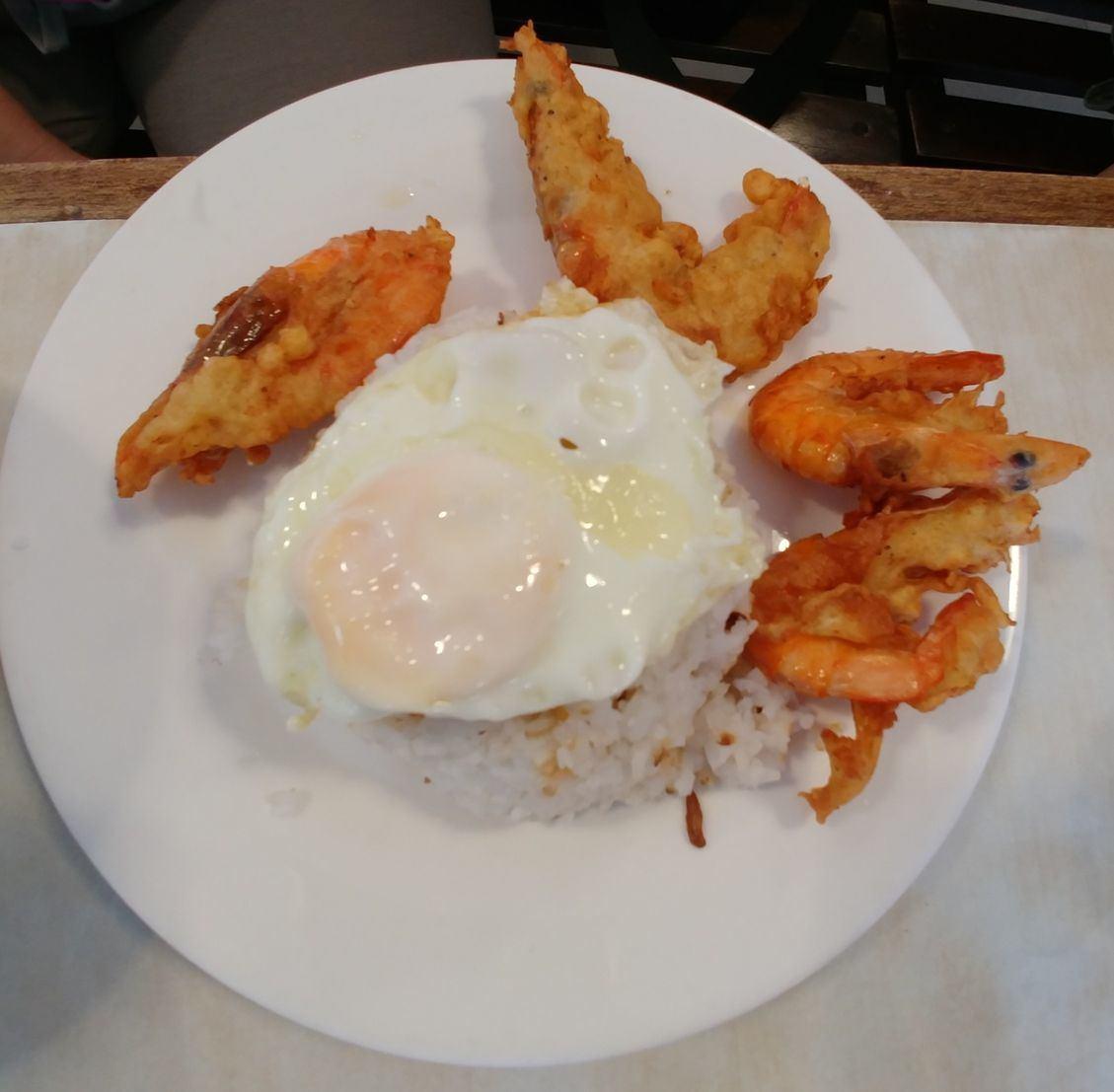 Crispy hipon or shrimp, sinangag, and itlog or hipsilog