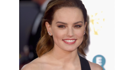 Get The Look: Daisy Ridley