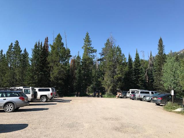 Lupine Meadow trailhead parking lot
