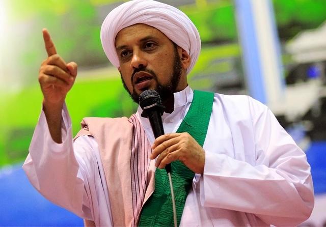 Habib Taufiq: Ngurus Keluarga Saja Kacau, Apalagi Ngurus Umat, Haram Mencalonkan Jadi Pemimpin