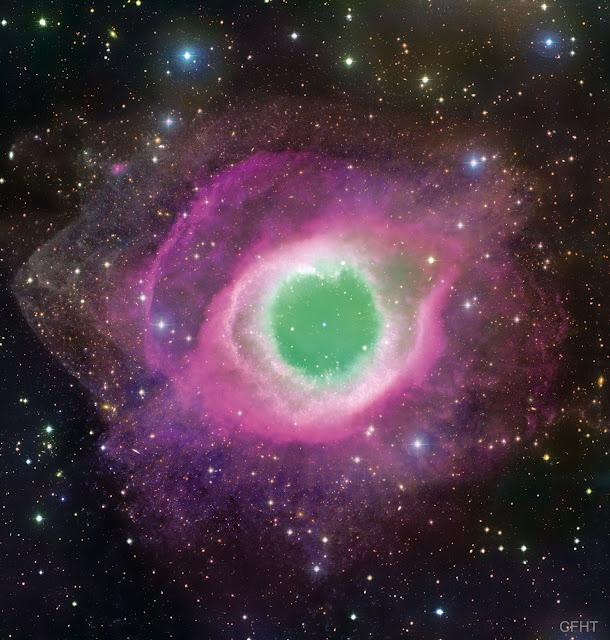 Tinh vân Helix chụp bởi kính thiên văn CFHT. Hình ảnh: CFHT, Coelum, MegaCam, J.-C. Cuillandre (CFHT) & G. A. Anselmi (Coelum).