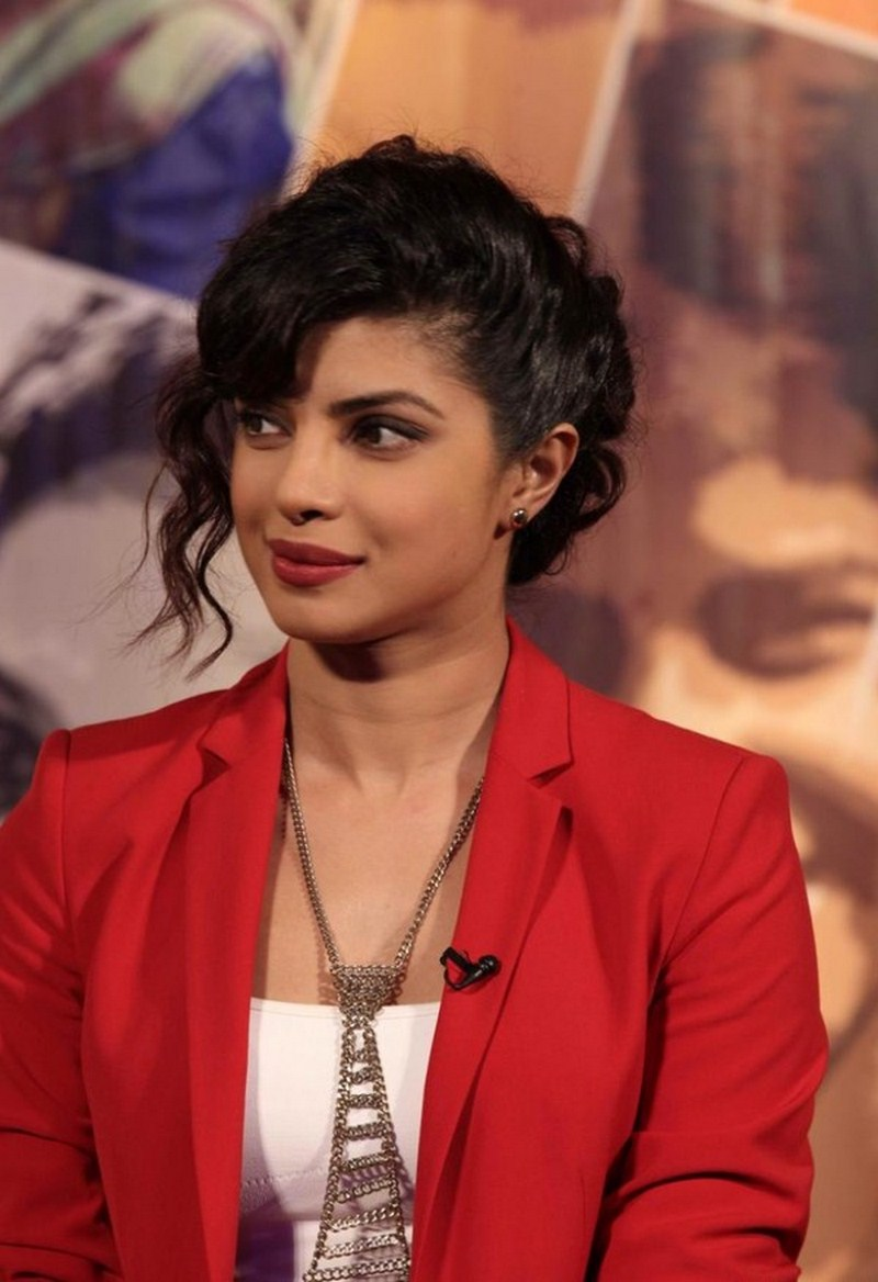 Bollywood Girl Priyanka Chopra Hot Photos In Red Top