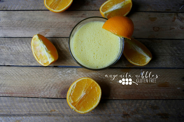 Frothy and refreshing fresh Valencia orange orange juice | Anyonita Nibbles