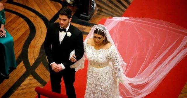Preta Gil vestido de noiva,  véu longo