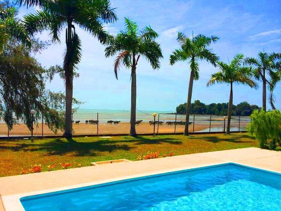 Casa Rasa Sayang Resort tepi pantai