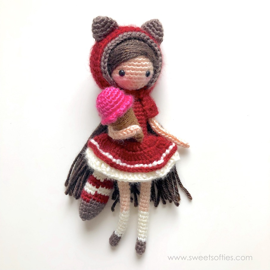 Free Pattern Mini Ballerina Animal Crochet Dolls ... | 907x907