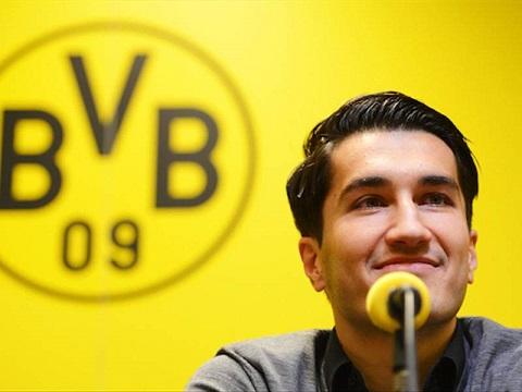 'Đứa con lạc lối' Nuri Sahin chính thức trở lại Borussia Dortmund