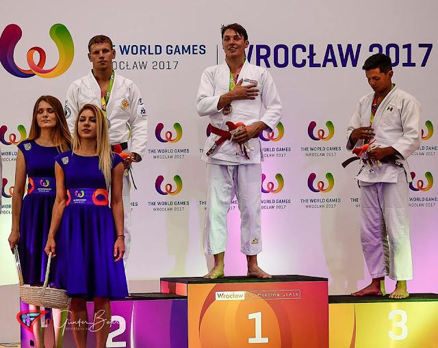 El mexicano Eduardo Gutiérrez (derecha) ganó la medalla de bronce para México en el Ju-Jitsu de Juegos Mundiales 2017