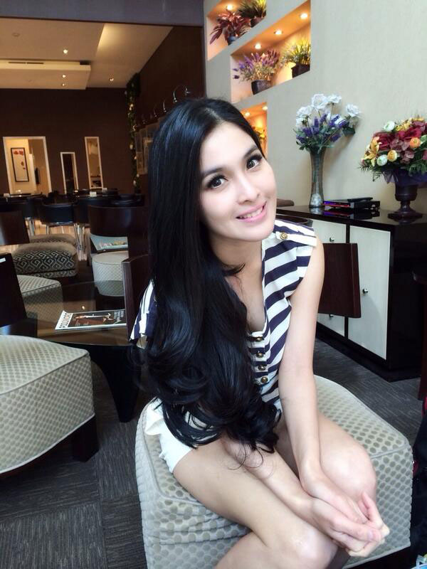 foto foto hot sandra dewi beredar tanpa sensor   artis seksi