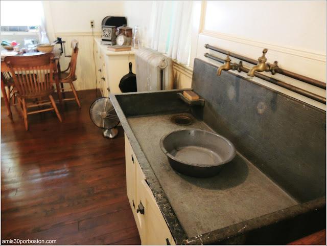 Casa de Nacimiento de Jonh F. Kennedy: Fregadero en la Cocina
