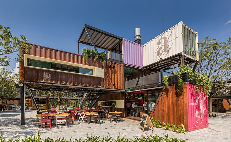 12-Shipping-Container-Architecture-6-Restaurants-in-the-Contenedores-Food-Place-www-designstack-co