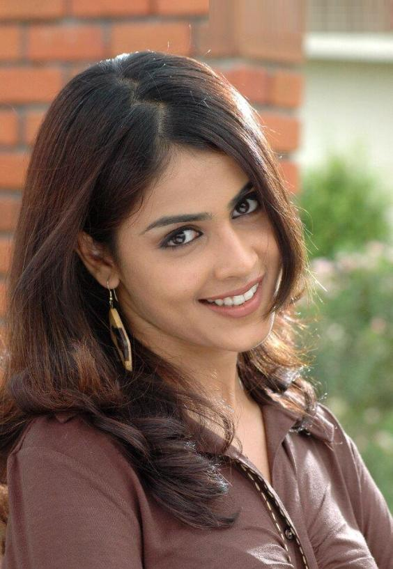 Cute Dolls Wallpapers With Quotes Celebrities Fashion Genelia Dsouza Latest Wallpapers