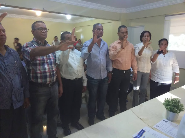 """El Ing. José Del Carman Montero Arias se vistió de humildad """"lanzó un Ramo De Olivo"""" dijo la unidad del PRM esta primero."""