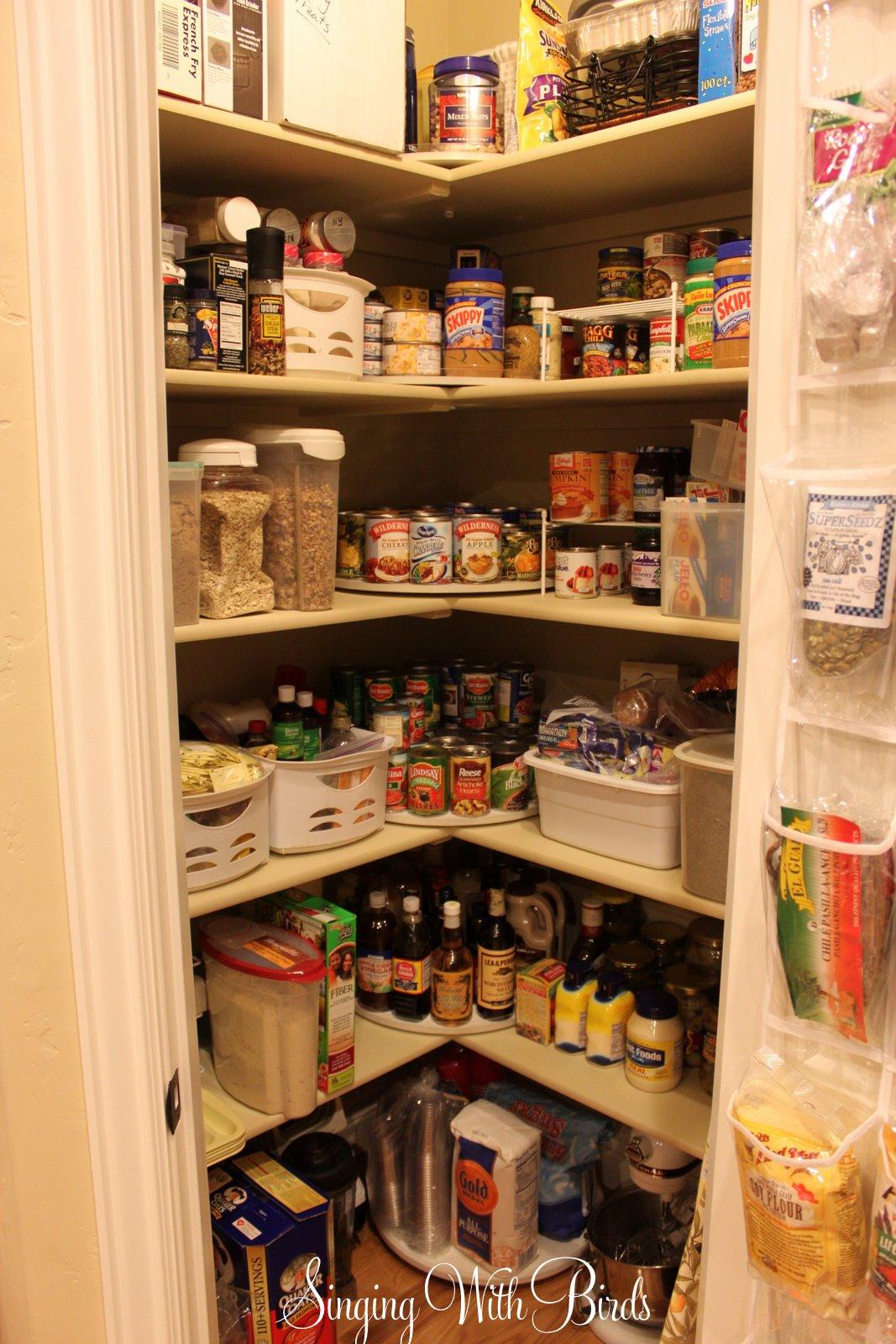 Small Corner Pantry Kitchen Layout
