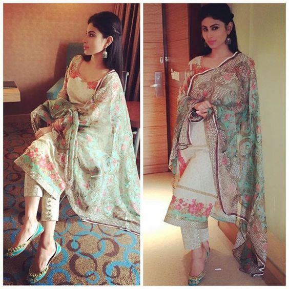 Picpile: Beautiful Girls In Punjabi Suit