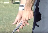 Cara memegang grip stik golf