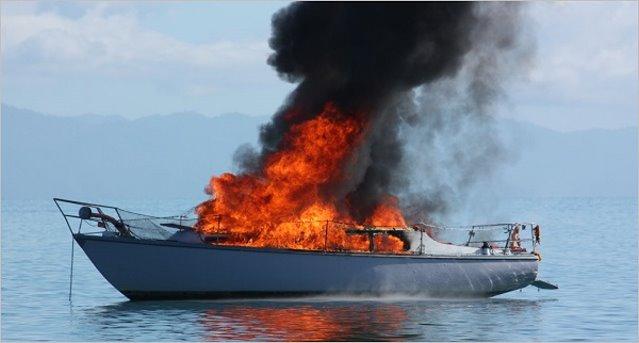 Θεσπρωτία: Φωτιά σε τουριστικό σκάφος - Σώοι οι επιβαίνοντες