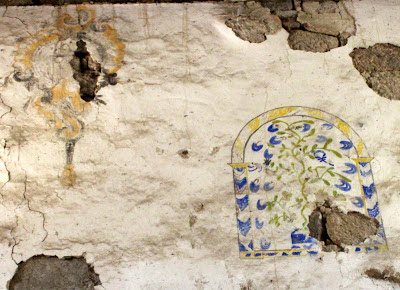 Pinturas murales en la sacristía del monasterio de Sta. Cristina de Ribas del Sil en la Ribera Sacra