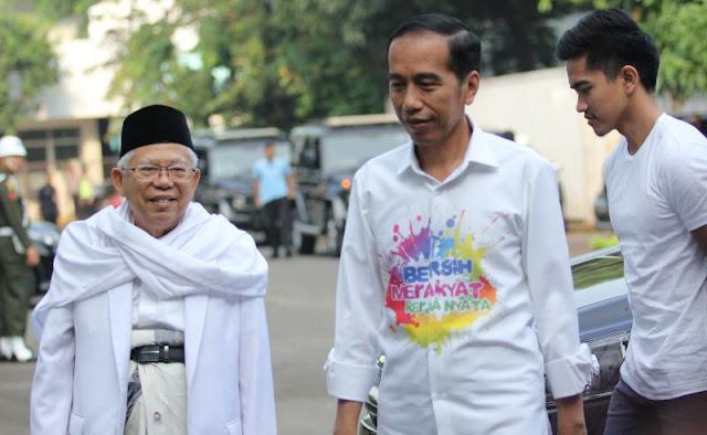 """Komentari Kemeja Jokowi, Kaesang Pangarep : """"Bapak Sudah Gaul"""""""