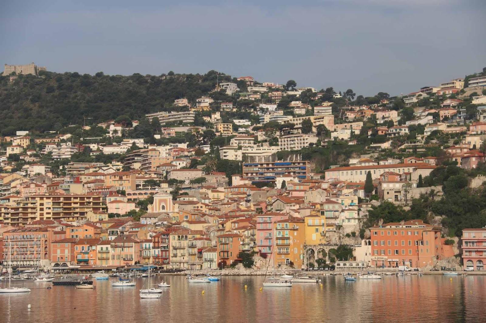 Kaunista rannikkoa Nizzan ja Monacon välillä