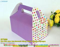 Dus Kue Atau Box Souvenir Ulang Tahun Dengan Pegangan