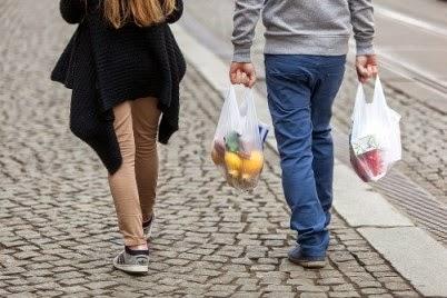198 σακούλες χρησιμοποίησε κατά μέσο όρο κάθε πολίτης της ΕΕ το 2010