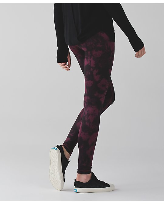 lululemon kara-blossom-red-grape wunder-under