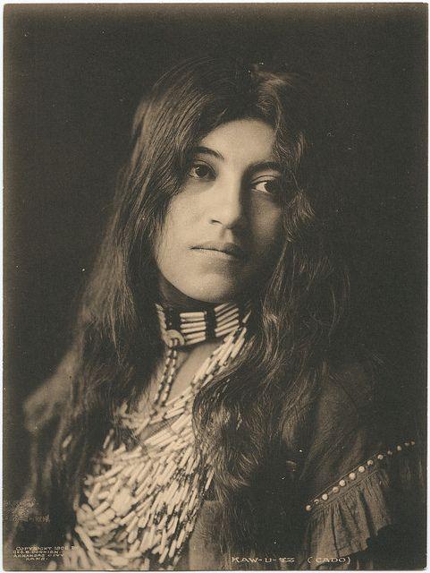 foto perempuan cantik jaman dahulu