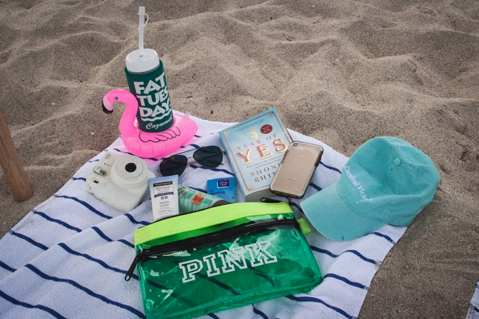 Spring Break, College Blogger, Lifestyle Blogger, College Spring Break Tips, What's In My Beach Bag, Polaroid Camera, Baseball Hat, Sunscreen, Aloe, Florida Beach
