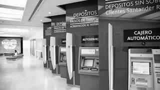 """""""El paro está confirmado"""", dijo el vocero del gremio Asociación Bancaria, Eduardo Berrozpe, minutos antes del inicio de una reunión en el Ministerio de Trabajo, cuyas autoridades buscaron sin éxito evitar la medida de fuerza."""