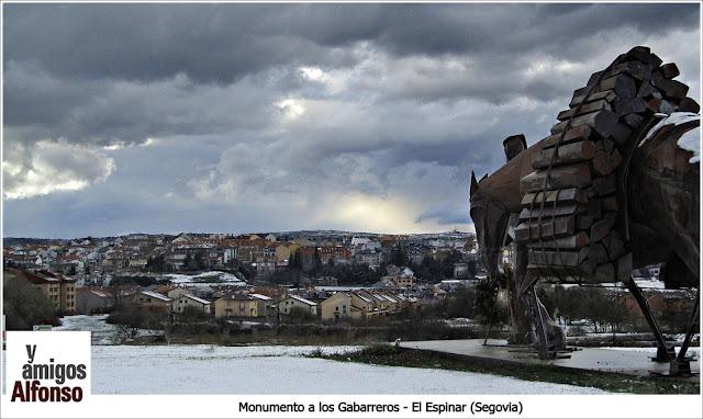 Monumento Gabarreros - AlfonsoyAmigos