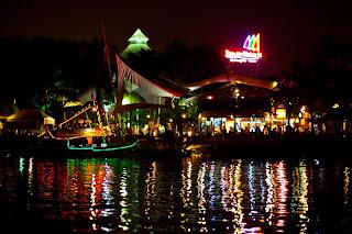 Bandar Djakarta Malam Hari