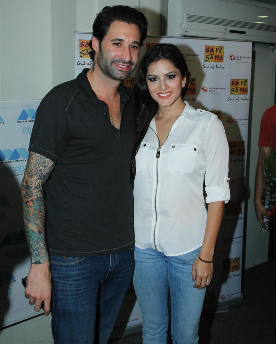 Sunny Leone With Husband Daniel Weber Sunny Leones Hot -5399